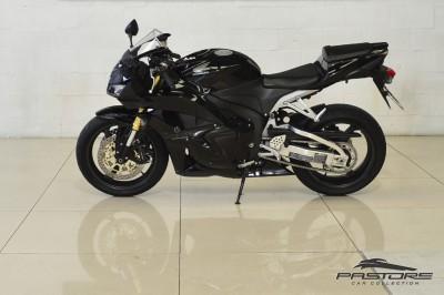 Honda CBR 600RR - 2012 (2).JPG