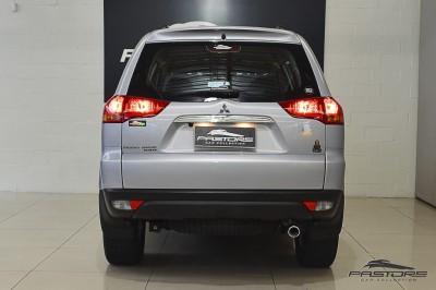 Mitsubishi Pajero Dakar HPE - 2013 (3).JPG