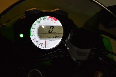 Kawasaki ZX 10R (5).JPG