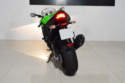 Kawasaki ZX 10R (8).JPG