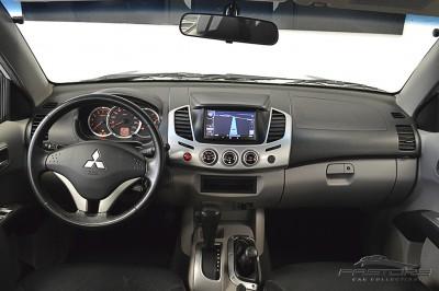 Mitsubishi L200 Triton 3.2 - 2011 (5).JPG