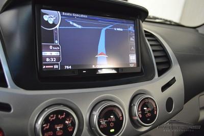 Mitsubishi L200 Triton 3.2 - 2011 (18).JPG