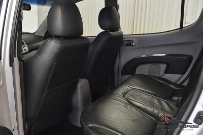 Mitsubishi L200 Triton 3.2 - 2011 (13).JPG