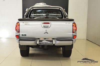 Mitsubishi L200 Triton 3.2 - 2011 (3).JPG
