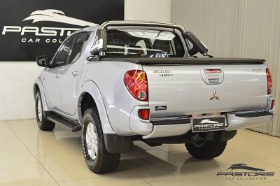 Mitsubishi L200 Triton 3.2 - 2011 (12).JPG