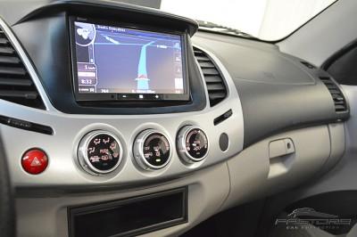 Mitsubishi L200 Triton 3.2 - 2011 (19).JPG