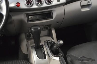 Mitsubishi L200 Triton 3.2 - 2011 (22).JPG