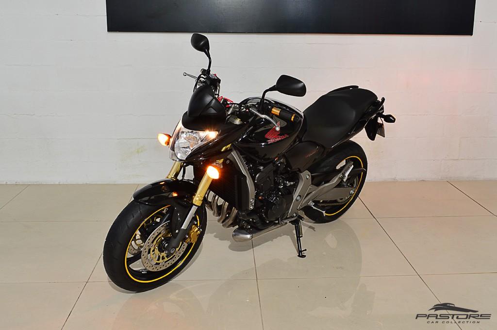 Hornet 600 (1).JPG