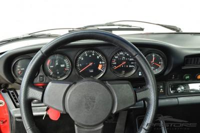 Porsche 911 (6).JPG