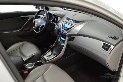 Hyundai Elantra 2013 (14).JPG