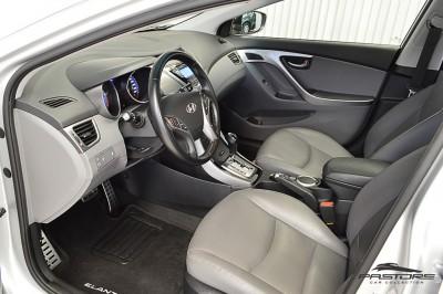 Hyundai Elantra 2013 (4).JPG