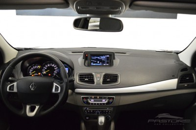 Renault Fluence Privilege (5).JPG