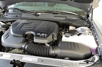 Dodge Challenger V6 (6).JPG