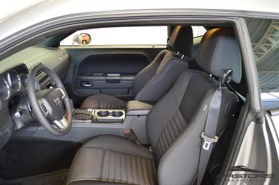 Dodge Challenger V6 (22).JPG