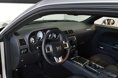 Dodge Challenger V6 (4).JPG