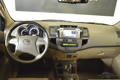 Toyota Hilux SW4 SRV - 2013 (5).JPG