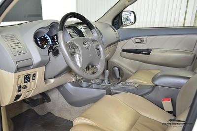 Toyota Hilux SW4 SRV - 2013 (4).JPG