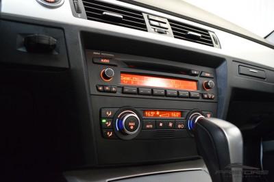 BMW 320i TOP R20 (19).JPG