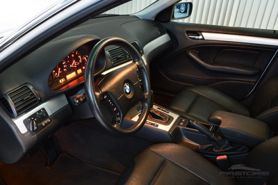BMW 320i 2002 (4).JPG