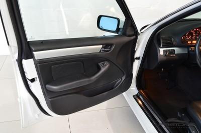 BMW 320i 2002 (15).JPG