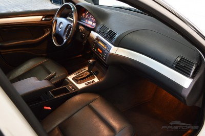 BMW 320i 2002 (20).JPG