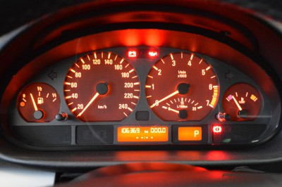 BMW 320i 2002 (16).JPG