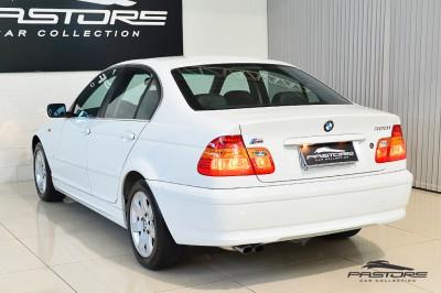 BMW 320i 2002 (11).JPG