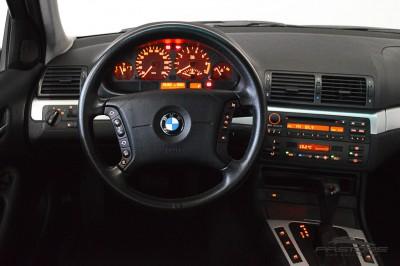 BMW 320i 2002 (19).JPG