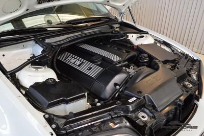 BMW 320i 2002 (6).JPG