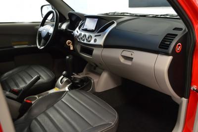 Mitsubishi L200 Triton 3.2 HPE 2012 (13).JPG
