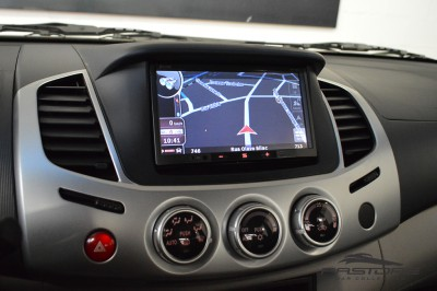 Mitsubishi L200 Triton 3.2 HPE 2012 (17).JPG