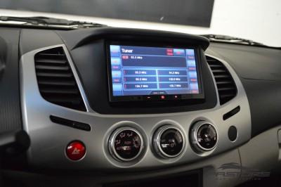 Mitsubishi L200 Triton 3.2 HPE 2012 (16).JPG