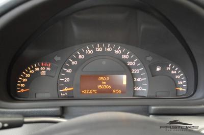 Merecedes-Benz C240 (14).JPG