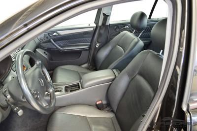 Merecedes-Benz C240 (12).JPG