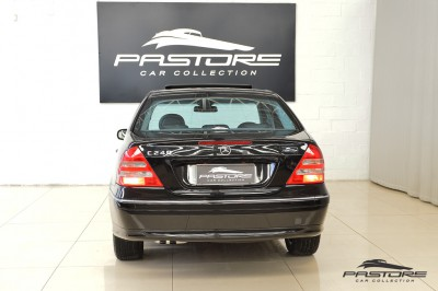 Merecedes-Benz C240 (3).JPG