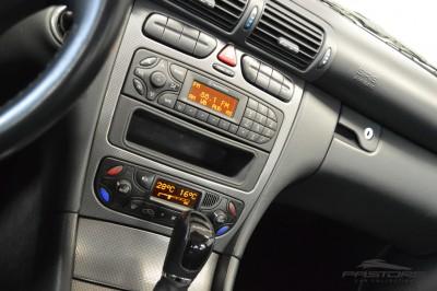 Merecedes-Benz C240 (15).JPG