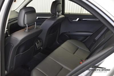 Mercedes-Benz C180 Turbo - 2013 (10).JPG