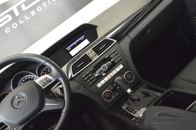 Mercedes-Benz C180 Turbo - 2013 (13).JPG