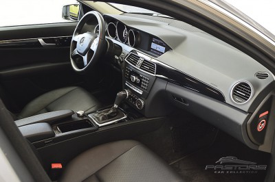 Mercedes-Benz C180 Turbo - 2013 (17).JPG
