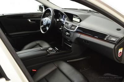 Mercedes-Benz E250 (18).JPG