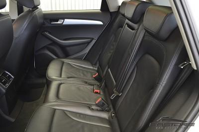 Audi Q5 2.0TFSi 2011 (14).JPG