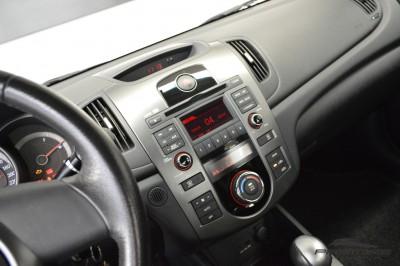Kia Cerato EX2 2010 (17).JPG