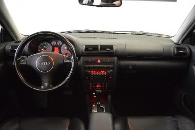 Audi A3 1.8T 2006 (5).JPG
