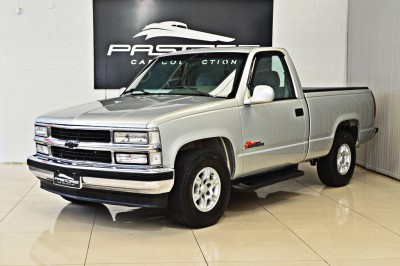 Chevrolet Silverado (1).JPG