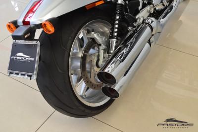Harley Davidson V-Rod 2012 (8).JPG