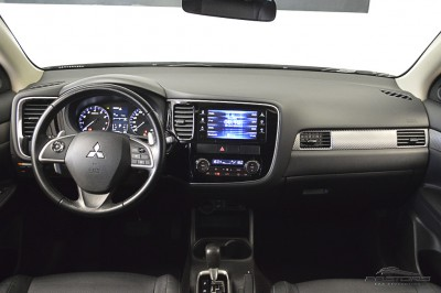 Mitsubishi Outlander GT 2014 (5).JPG