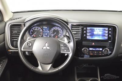 Mitsubishi Outlander GT 2014 (18).JPG