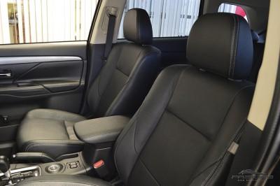 Mitsubishi Outlander GT 2014 (20).JPG