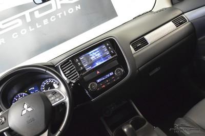 Mitsubishi Outlander GT 2014 (19).JPG