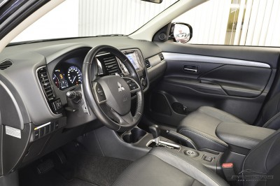 Mitsubishi Outlander GT 2014 (4).JPG